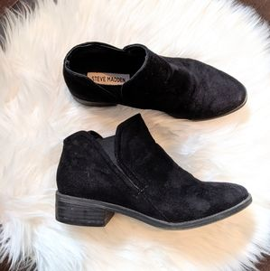 Steve Madden suede ankle booties